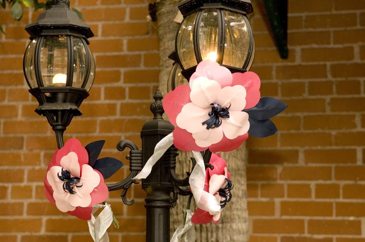 Lamp Post Flower Decoration