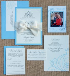CINDERELLA_THEMED_BOW_INVITATION_SUITE